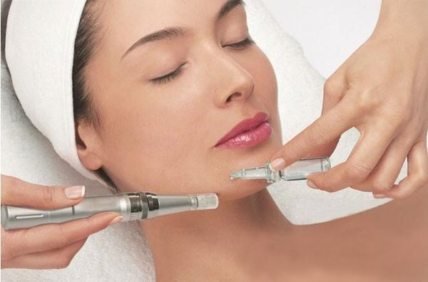How to Microneedle Face at Home