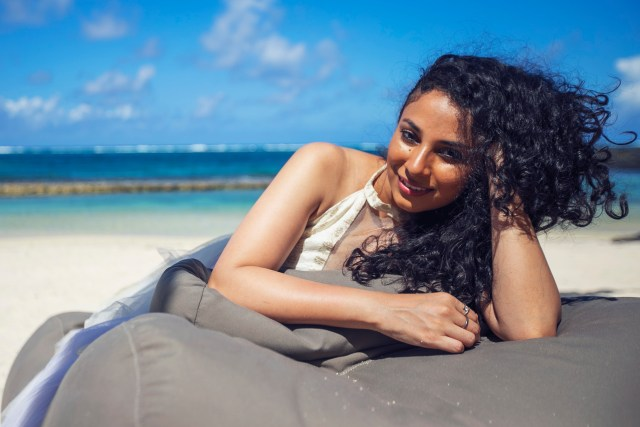 Natashaa Iyer Debuts With A Music Video 'Sauda'