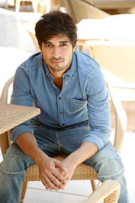 'First thing I spoke to Taapsee about was the feeling of being on sets now' : Tahir Raj Bhasin