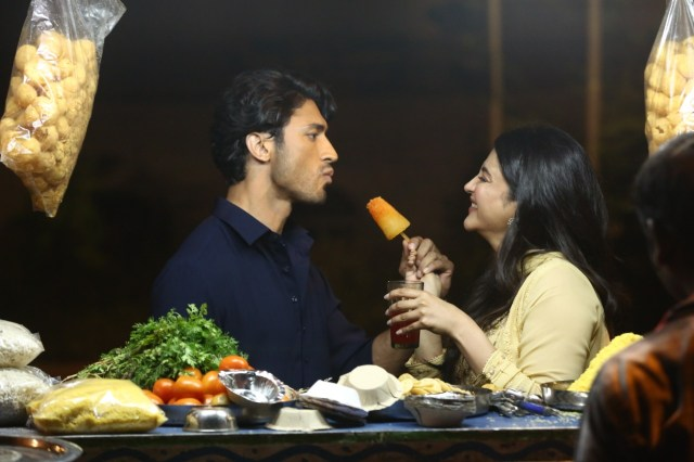 The Power Review: Vidyut Jammwal And Shruti Haasan In Love And War