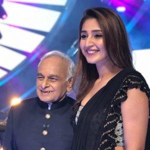 Indian Idol 12: Dhvani Bhanushali meets her idol the veteran composer Anandji