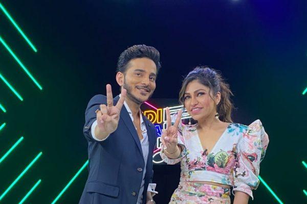 Witness the goofy and candid side of Tanishk Bagchi on Indie Hain Hum Season 2 with Tulsi Kumar