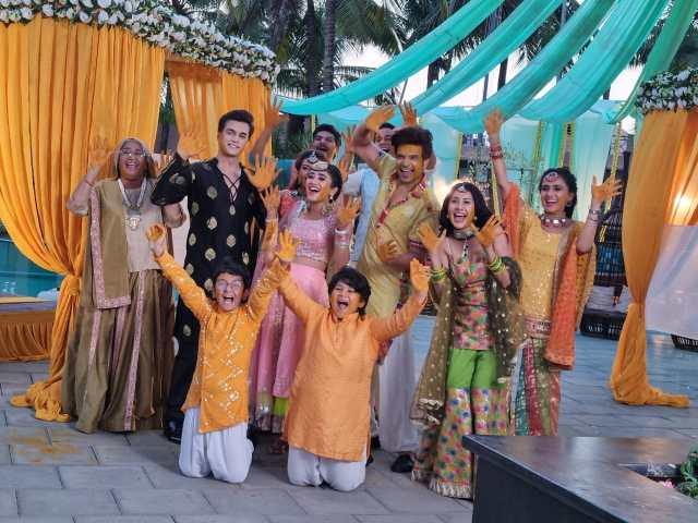 Yeh Rishta Kya Kehlata Hai': The Goenkas have a ball at Sirat and Ranveer's haldi celebration