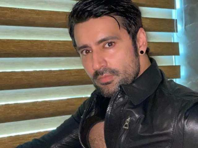 Shakti Kapoor & Madhuri Dixit root for Bigg Boss OTT contestant Karan Nath