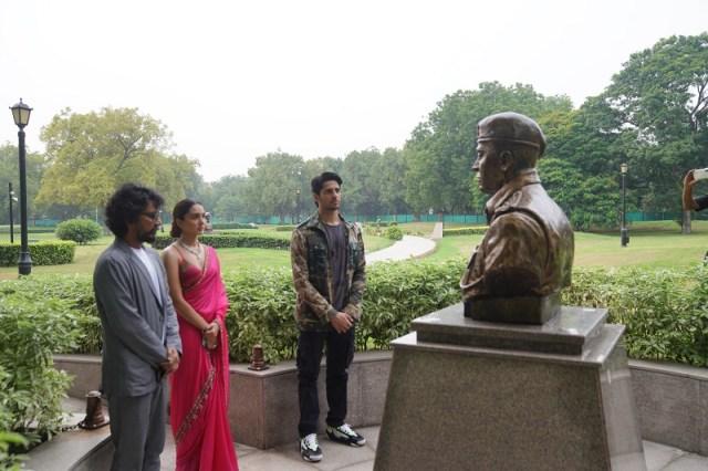 Team Shershaah pays tribute to Captain Vikram Batra at the national war memorial