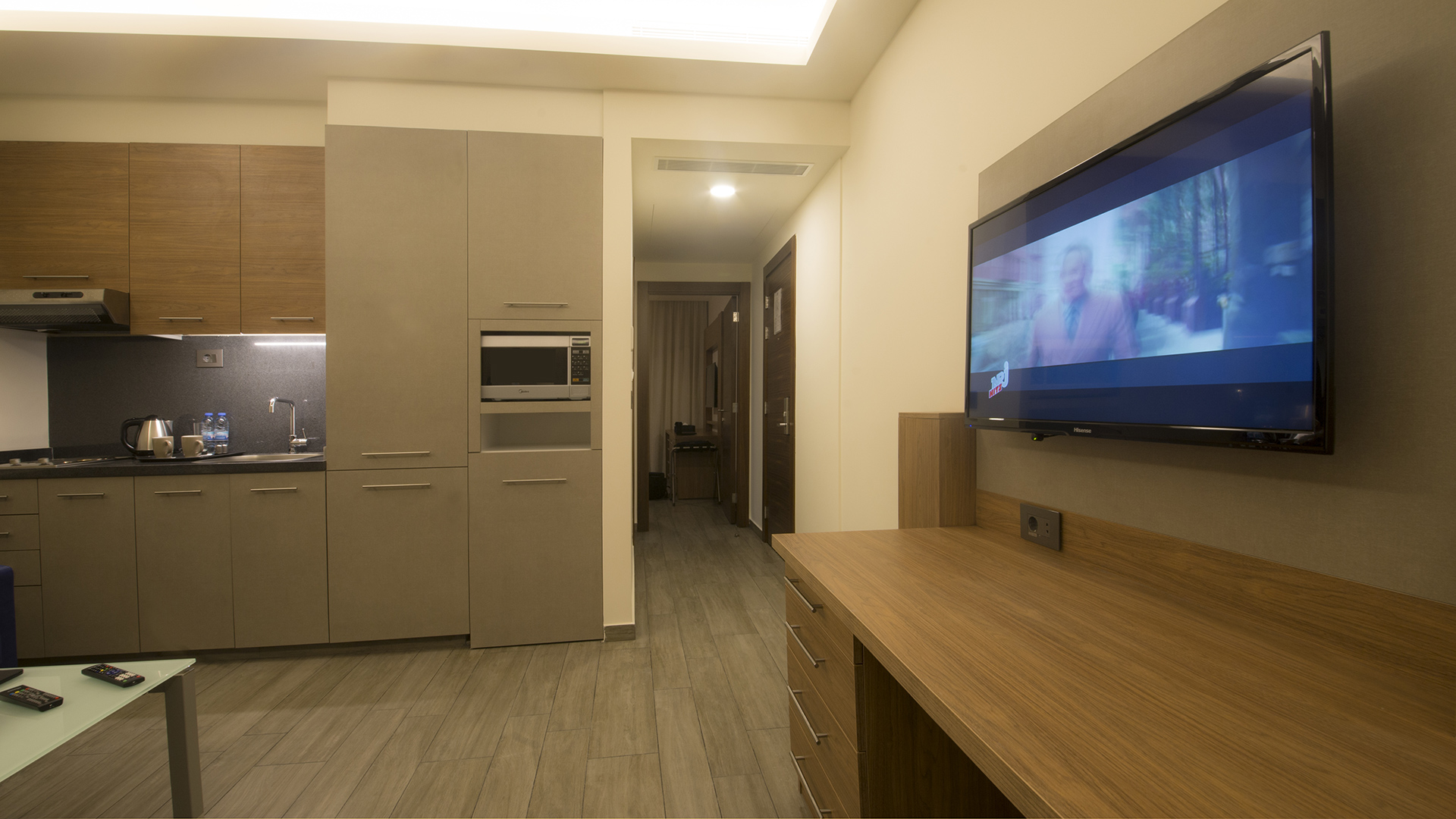 Urban Central Beirut - Deluxe One Bedroom Suite - 10