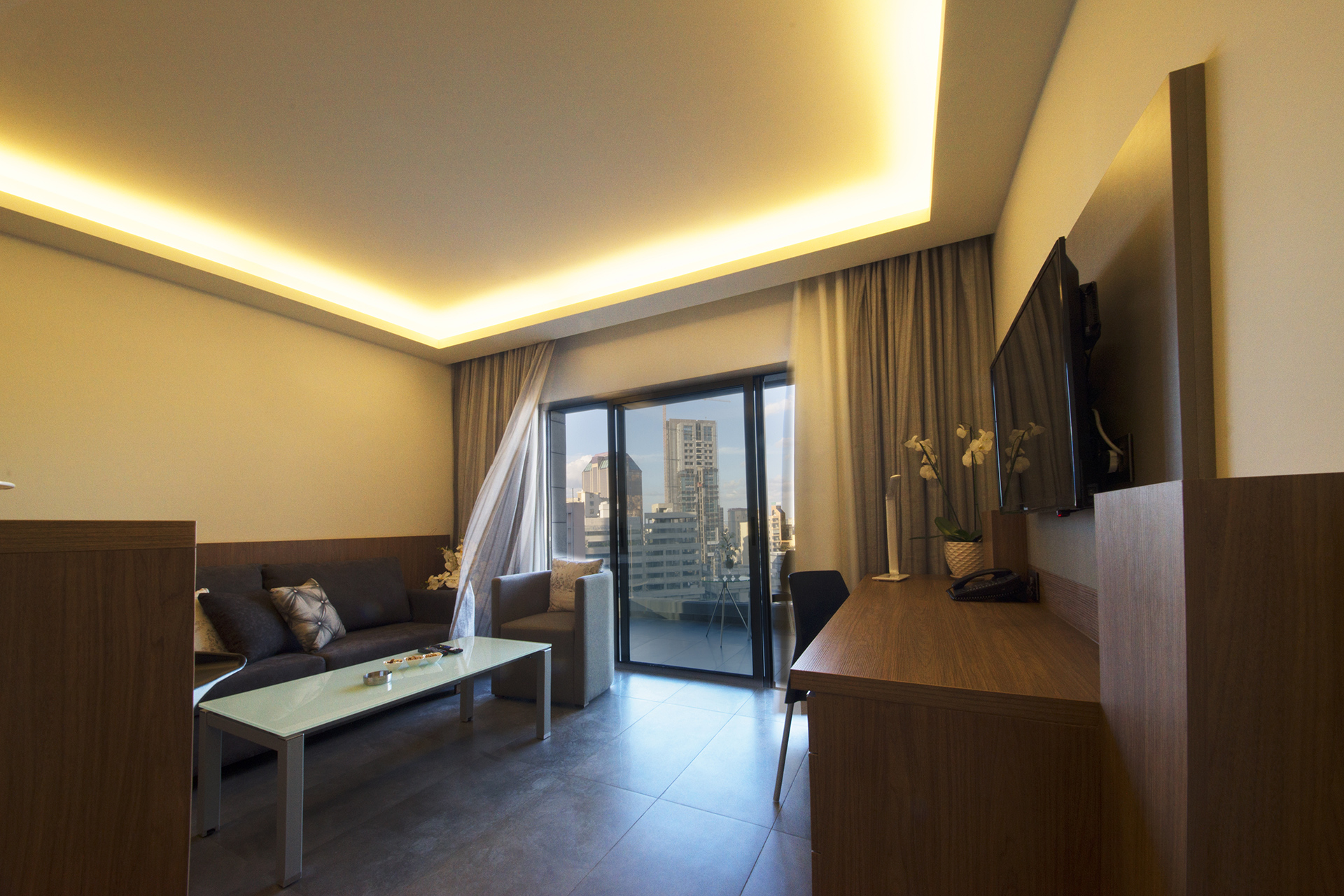 Urban Central Beirut - Deluxe One Bedroom Suite - 3