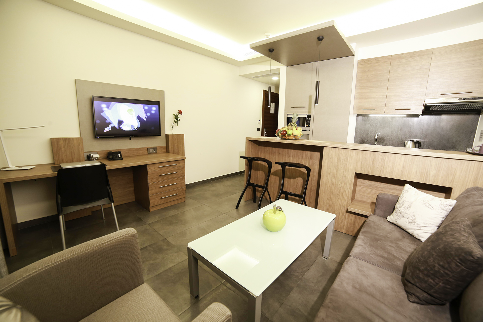 Urban Central Beirut - Deluxe One Bedroom Suite - 4