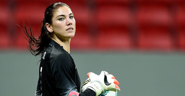 Goalkeeper Hope Solo of the USA in action during a match between USA and China as part of International Women's Football Tournament of Brasilia at Mane Garrincha Stadium on December 10, 2014 in Brasilia, Brazil. (Buda Mendes/Getty Images South America)