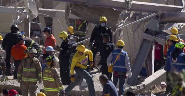 Babies were found under the rubble after a gas tanker exploded by a maternity ward in Mexico City. (TomoNews/YouTube)