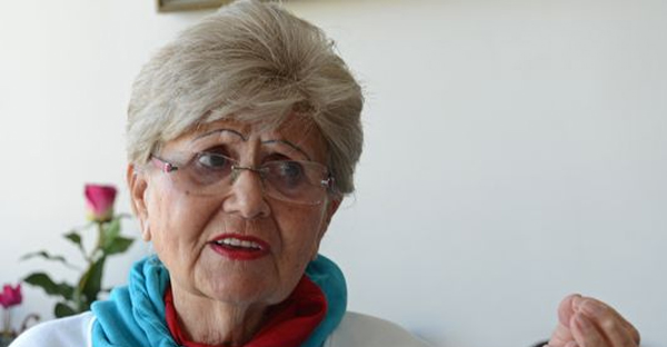 Renee Ganz, 86, originally from Oradea, Romania, discusses her time at the Auschwitz-Birkenau concentration camp. (Debbie Hill for USA TODAY)
