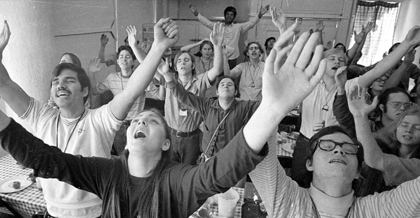 "A Christian group, a part of California's ""Jesus Movement,"" sings, 1971. (AP Photo)"