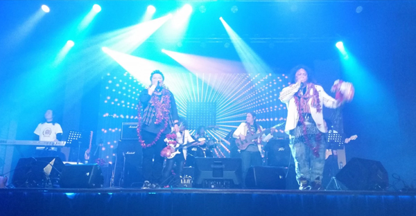 The Klo & Kweh Music Team performs a concert in Nashville in February. (Photo courtesy of Eh Wah)