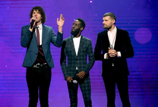 Hosts for KING & COUNTRY and Tye Tribbett (Photo credit: Terry Wyatt, Getty Images)