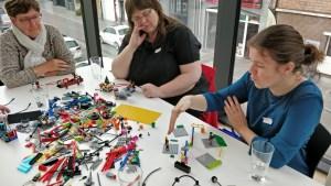 Deelnemers Bootcamp ontwerpen in Lego