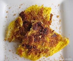 Fried Eggs & Apples   © UrbanCoittageLife.com 2011