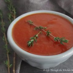Roasted Red Pepper & Tomato Soup | © UrbanCottageLIfe.com