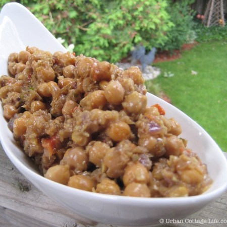 Bal's Mother's Chickpeas | © UrbanCottageLife.com