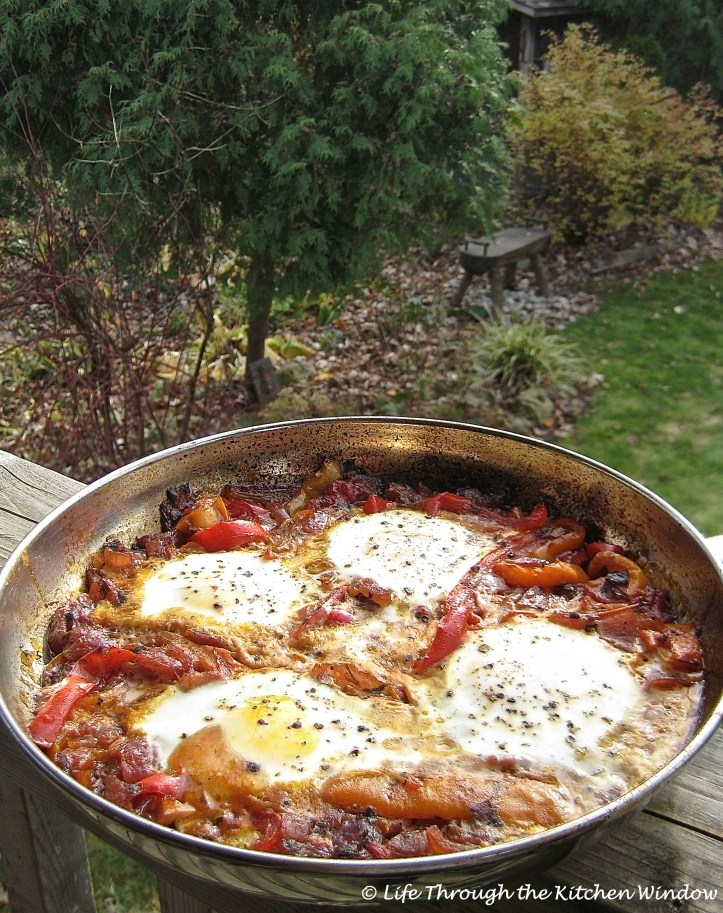 Skillet-Poached Eggs in Peperonata