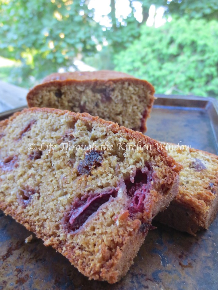 Strawberry Muesli Tea Bread ⎮ © Life Through the Kitchen Window