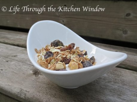 Dorset Cereals® Really Nutty Muesli on Yogourt ⎮ © Life Through the Kitchen Window