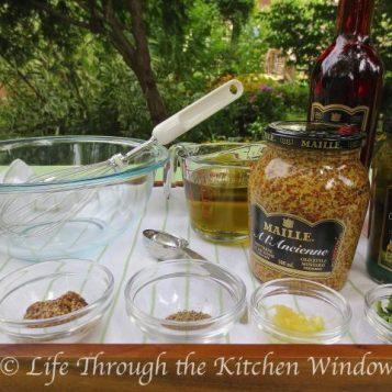 Classic Vinaigrette | © UrbanCottageLIfe.com