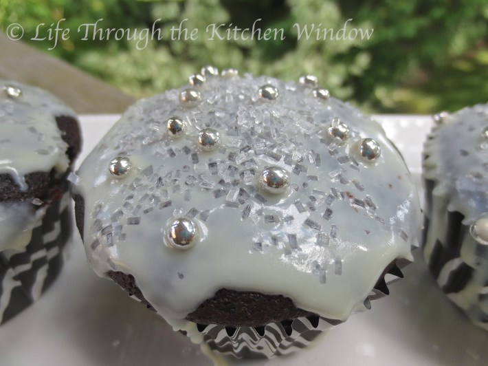 Sparkling Chocolate Cupcakes | © Life Through the Kitchen Window