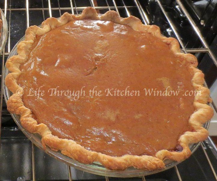 Pumpkin Pie's Ready! | © UrbanCottageLife.com