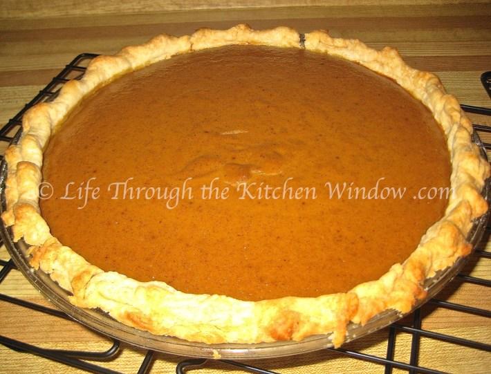 Pumpkin Pie, Thanksgiving 2011 | © Life Through the Kitchen Window .com