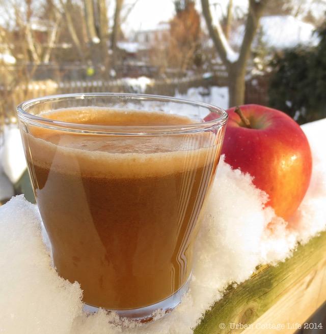 Ambrosia Apple, Carrot & Celery Juice | © UrbanCottageLife.com