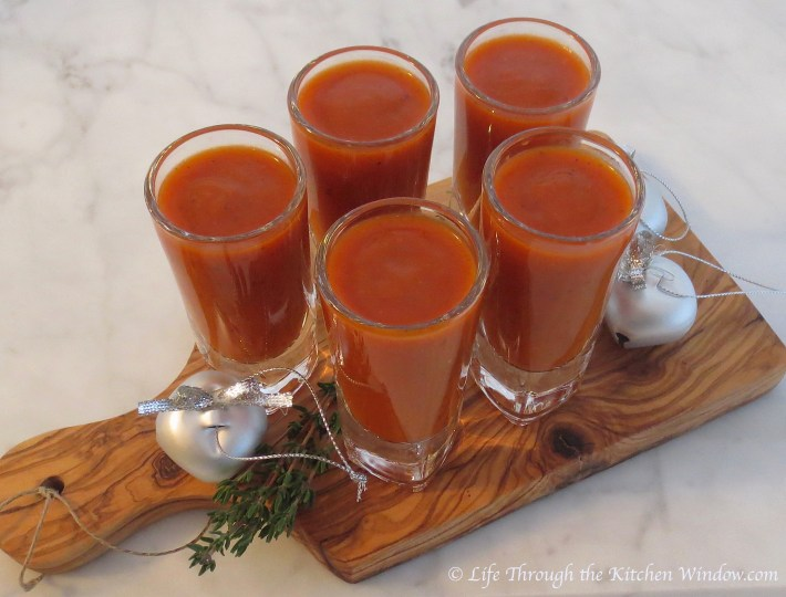 Roasted Red Pepper & Tomato Soup | © Life Through the Kitchen Window.com