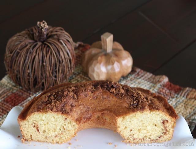 Cinnamon Loaf Coffee Cake   © UrbanCottageLIfe.com 2016