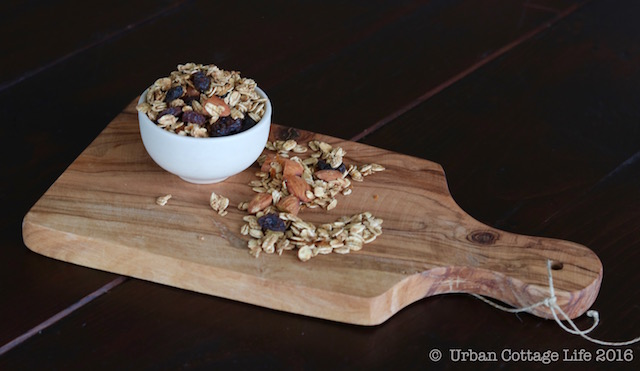 Orange Almond Granola | © UrbanCottageLife.com 2016