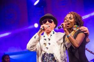 Salif Keita and Hope-Masike @HIFA PICTURE: herzimbabwe.co.zw