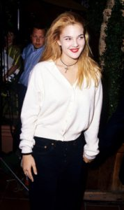 Drew Barrymore in the 90's the choker was more simpler Picture source : http://www.whowhatwear.co.uk