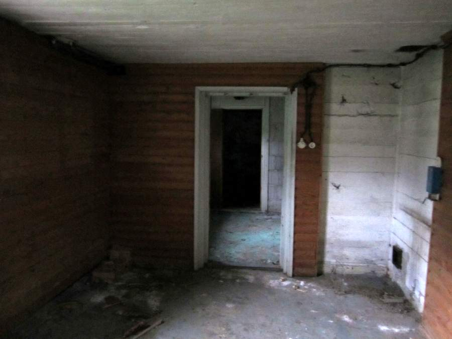 Hylätty talo Espoossa