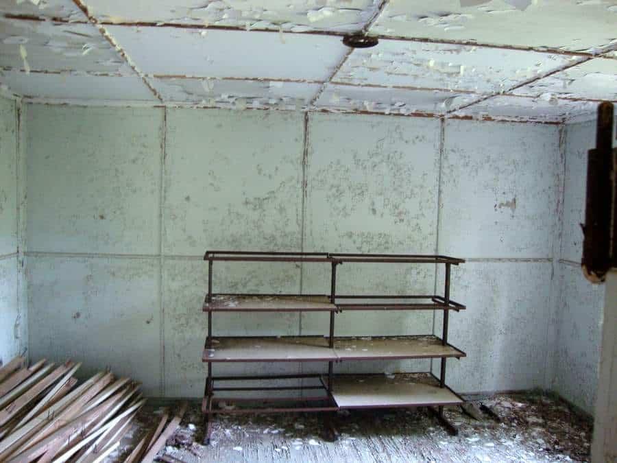 Sukellus Paakkilan asbestikaivoksessa