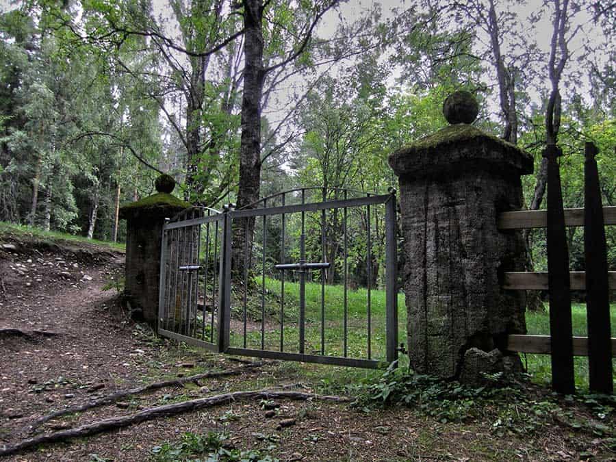 Hullujen hautausmaa