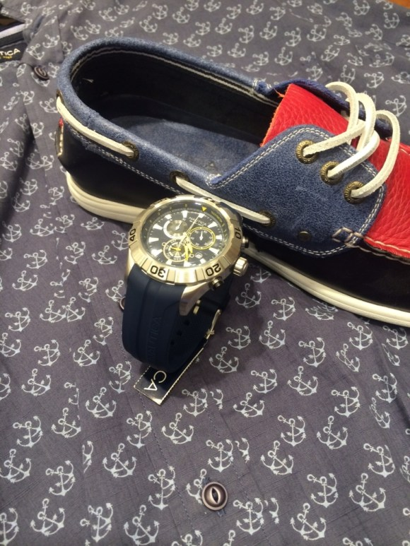 Boys, make sure you own a pair of navy and red boat shoes to add that touch of elegance to your casual look.