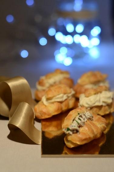 mini-éclairs à la mousse de champignons, huile de truffe (un défi Noël végé)