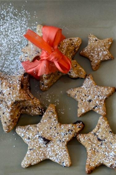 Sablés étoilés de Noël à la châtaigne et aux pépites de chocolat