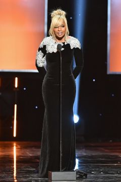 Mary J. Blige speaks onstage 2_preview