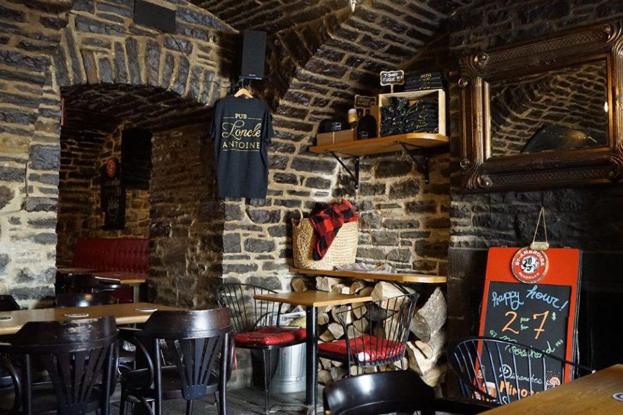 Pub L'Oncle Antoine in Place-Royale