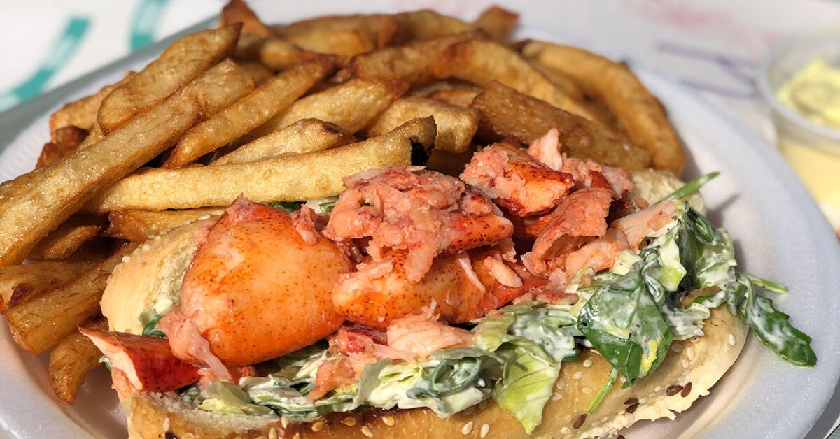 Lobster Roll at Casse-Croute Chez Mag on Ile d'Orleans