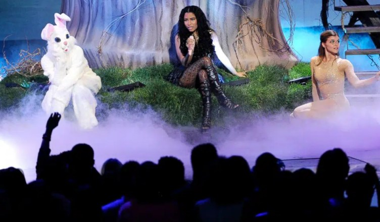 Nicki Minaj performs at the 2014 BET Awards (Credit: YouTube)