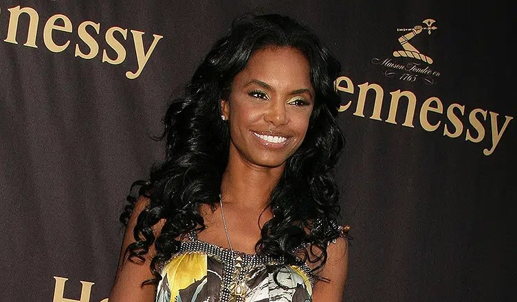 Kim Porter at a Photo Exhibit Opening Featuring The Work of Cheryl Fox. The Celebrity Vault, Beverly Hills, CA. 06-26-09 (Credit: Shutterstock)