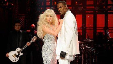 Lady Gaga and R. Kelly perform on Saturday Night Live. (Credit: NBC)
