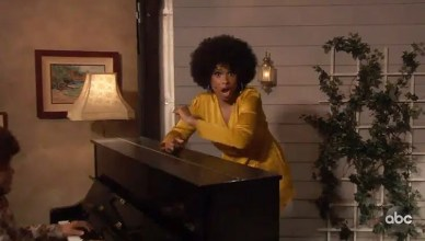 ennifer Hudson Performs Jeffersons Theme Song. (Credit: ABC)
