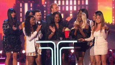 Surviving R. Kelly Wins MTV Award (Credit: Twitter/MTV)