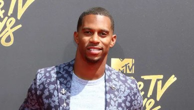 Victor Cruz at the MTV Movie and Television Awards on the Shrine Auditorium on May 7, 2017 in Los Angeles, CA — Photo by Jean_Nelson